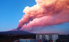 Vulkan Etna je spet izbruhnil