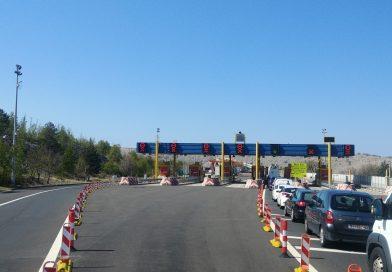 Most na Krk – v sezoni promet po obeh pasovih
